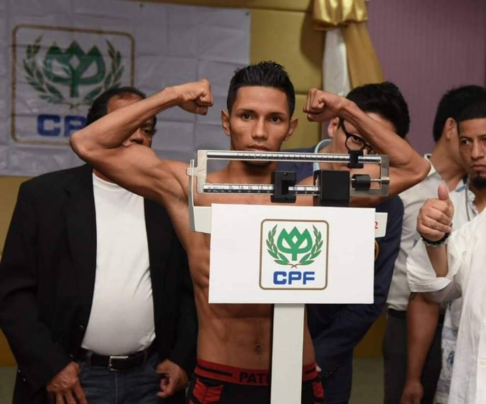 Byron Rojas sin problemas para marcar el peso