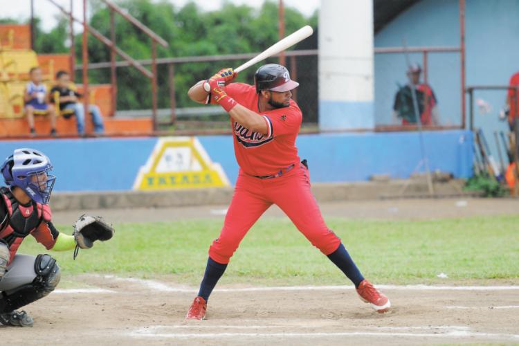 Ofilio Castro fue el líder de los bateadores en el campeonato