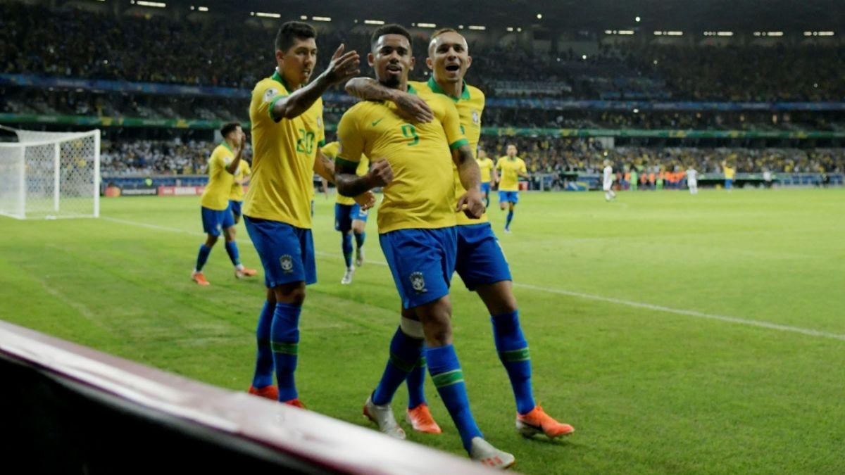 Gabriel Jesús, anotador del primer gol de Brasil