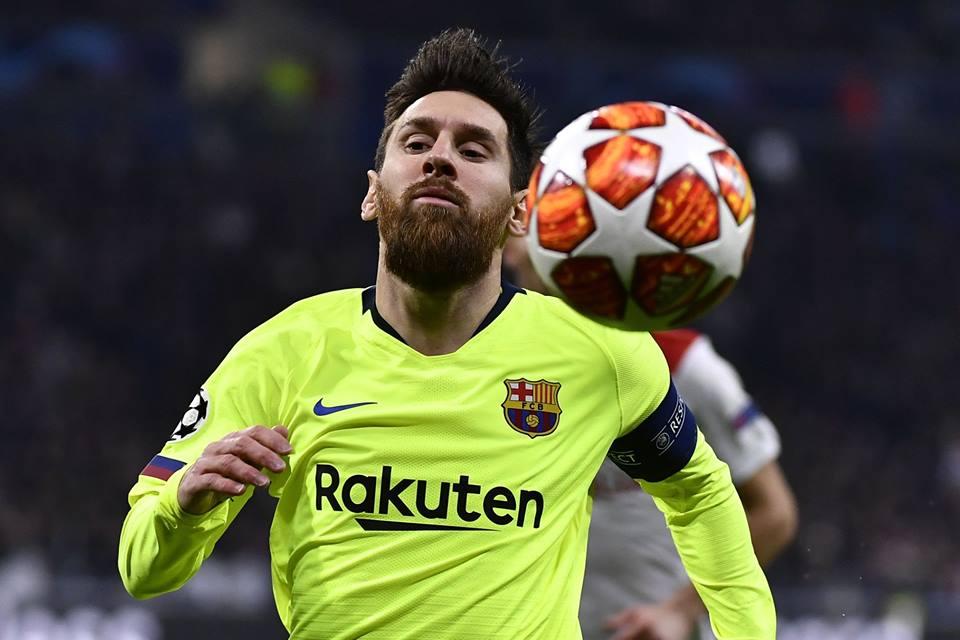 Messi frustrado en el partido ante Lyon