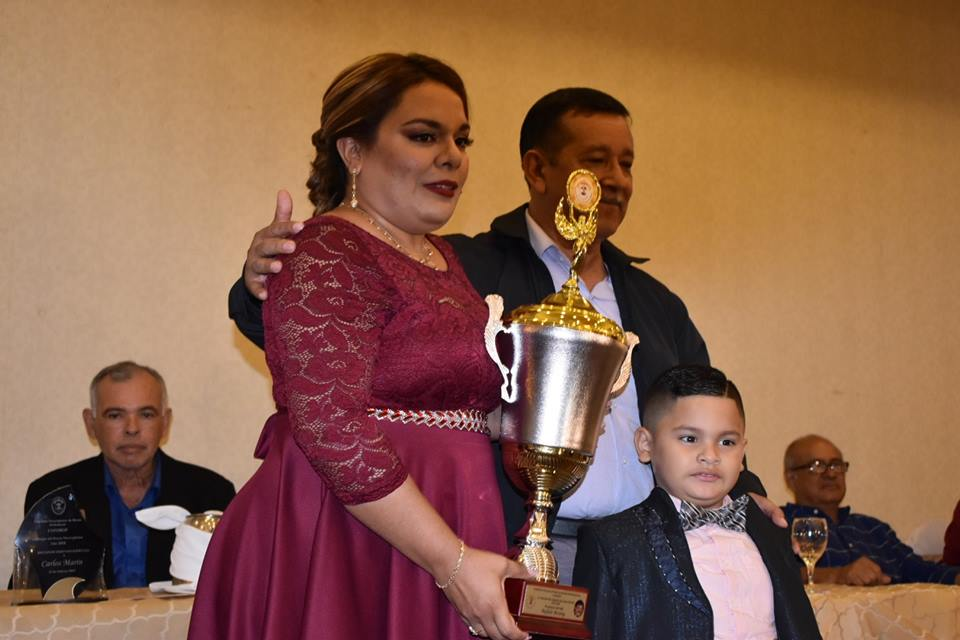 Ruth Rodríguez recibe el premio a la mejor promotora del año