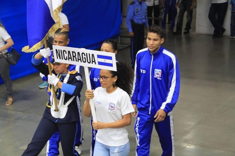 La selección de Nicaragua al momento de su presentación