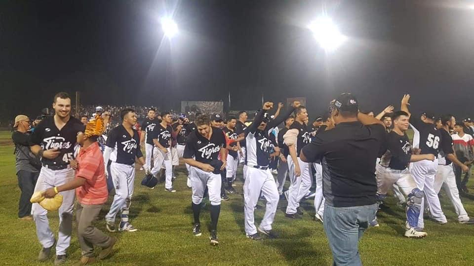 Los Tigres celebran el pase a la serie final