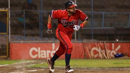 Ofilio Castro el campeón bate de esta temporada