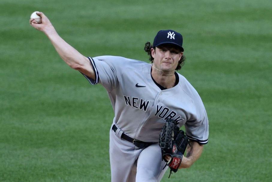 Gerrit Gole lanzador y ganador del primer partido por los Yankees