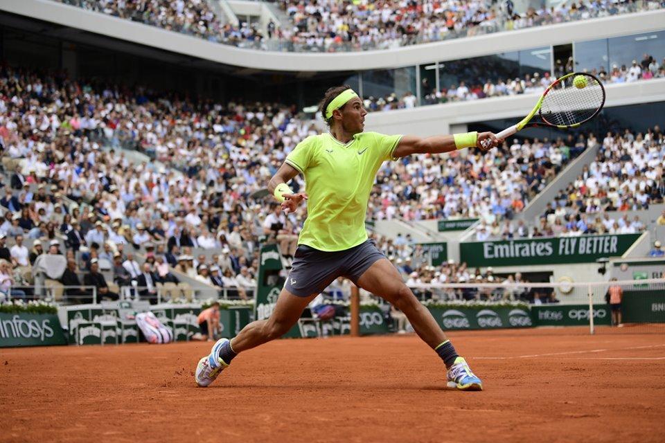 Rafael Nadal juega al máximo cada punto en el partido final