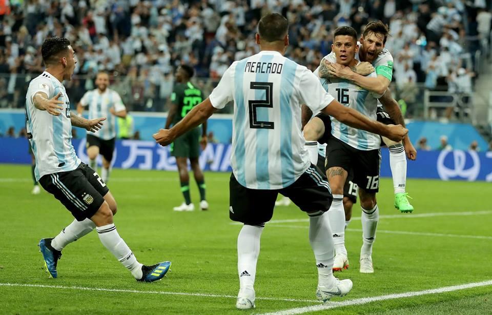 Rojo otorga la clasificación de 8vos para Argentina