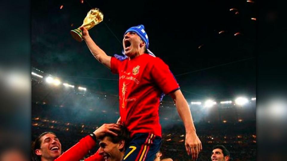 Villa celebra con la Copa del Mundo en sus manos.