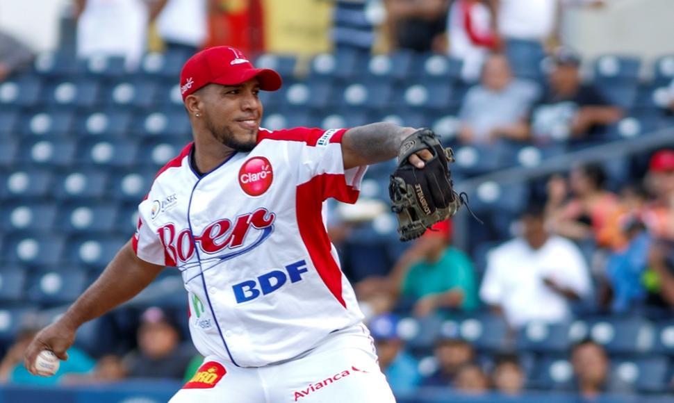 Manauris Báez será el principal lanzador de la tribu.