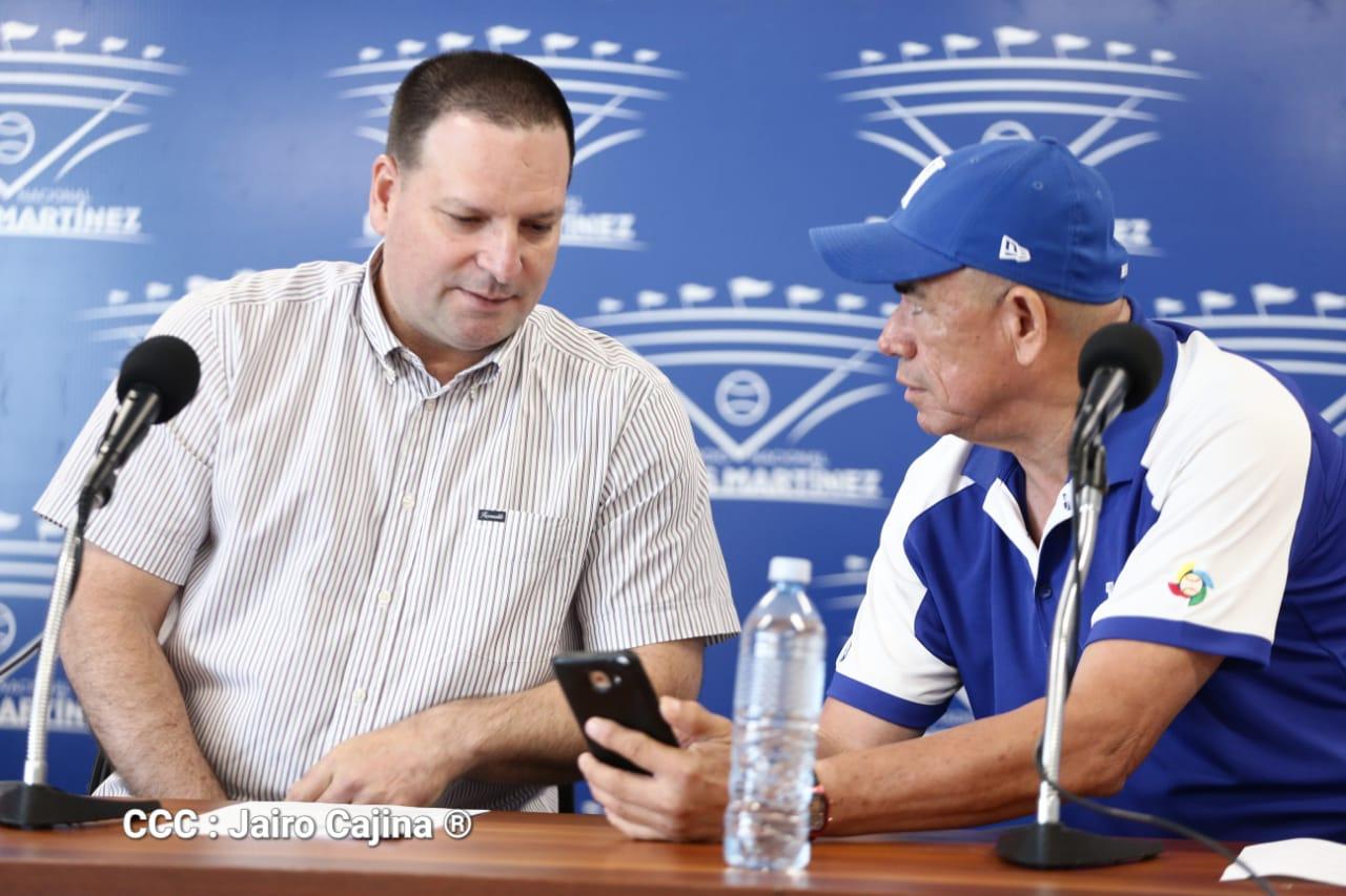 Nemesio Porras y Julio Sánchez durante la conferencia de prensa
