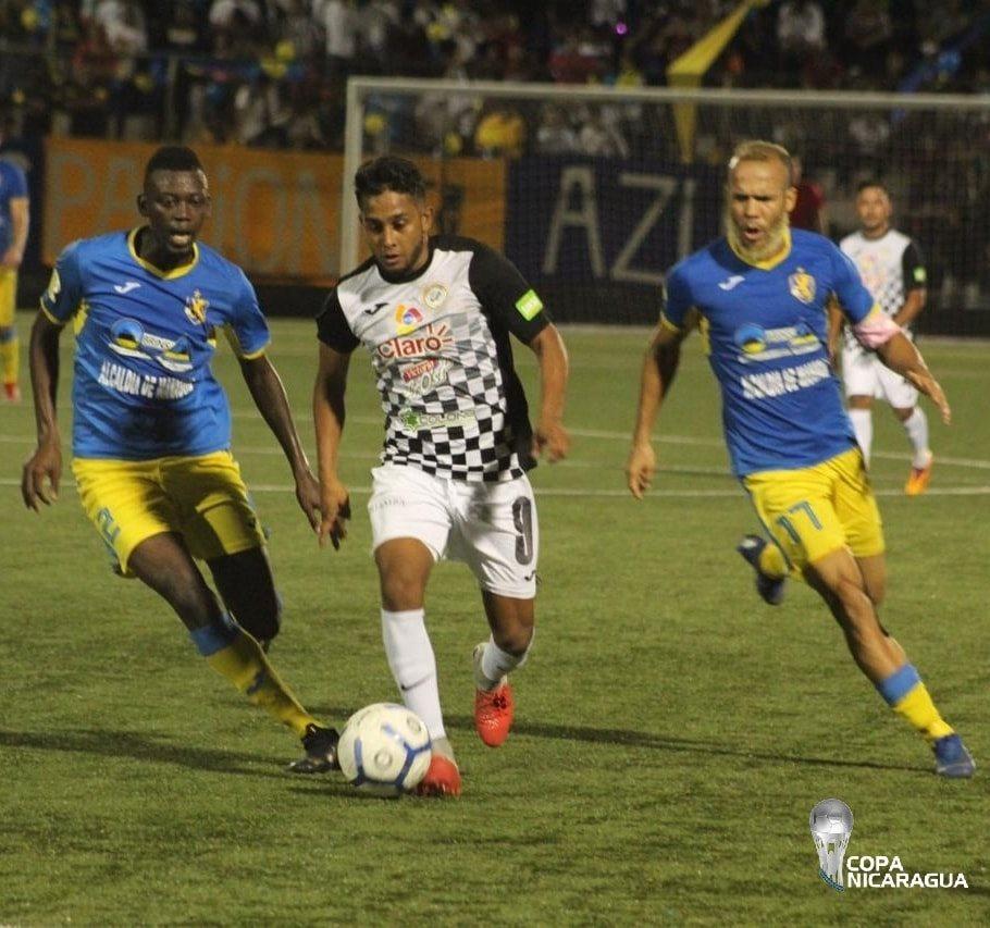Momentos del partido final entre Managua FC y Diriangén