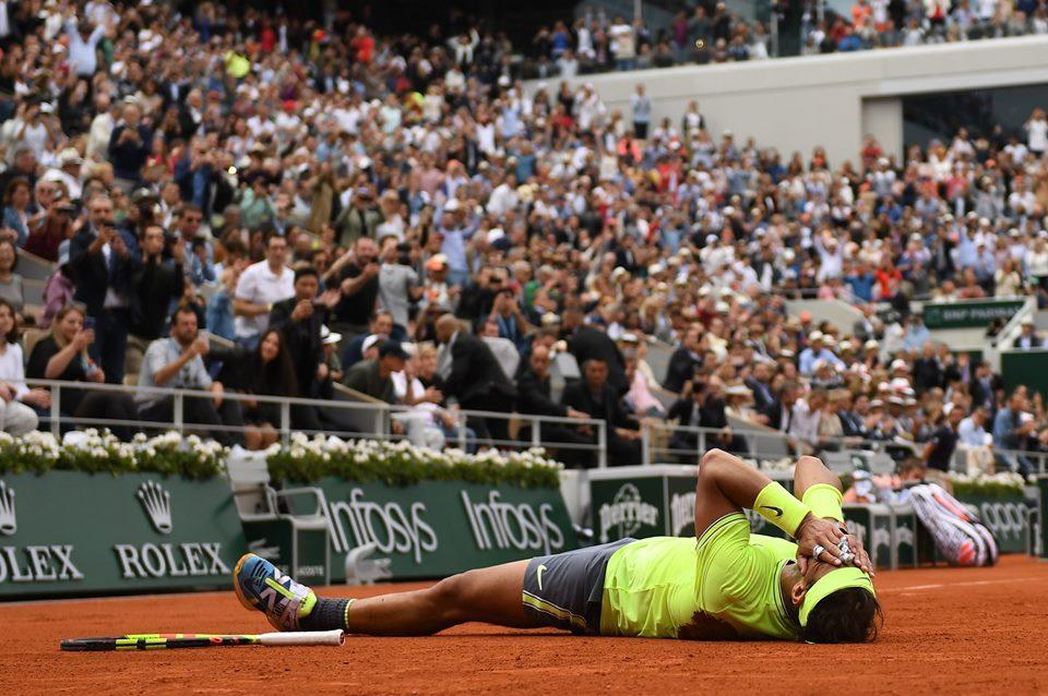 En el polvo de arcilla luego de su título 12 en el abierto de Roland Garros.