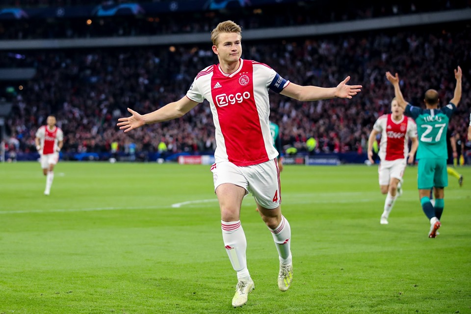 Gran temporada para el Ajax un gusto verlos jugar en Champions